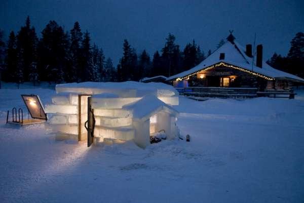 Exterior de la sauna de hielo