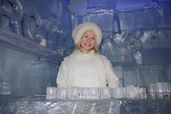 Bar de hielo en Santa Park Rovaniemi