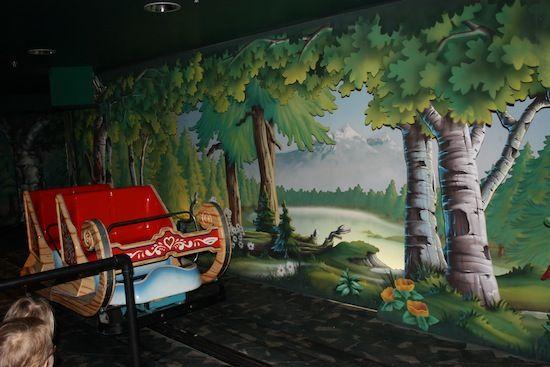 Carrusel de elfos en Santa Park Rovaniemi