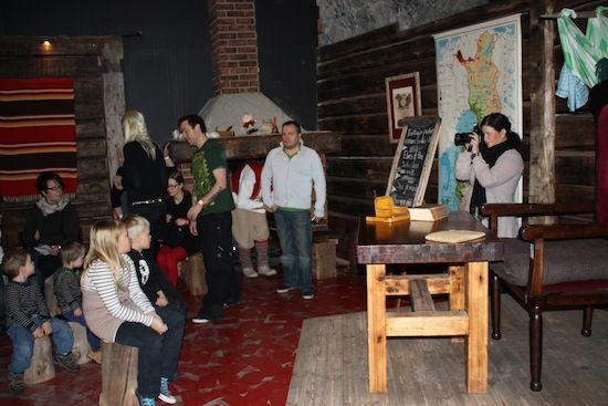 Entrada secreta a la escuela de elfos de Santa Park en Rovaniemi