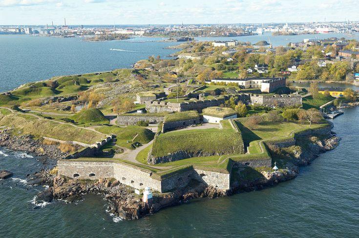 La isla fortaleza de Suomenlinna, Patrimonio de la Humanidad en Helsinki, Finlandia