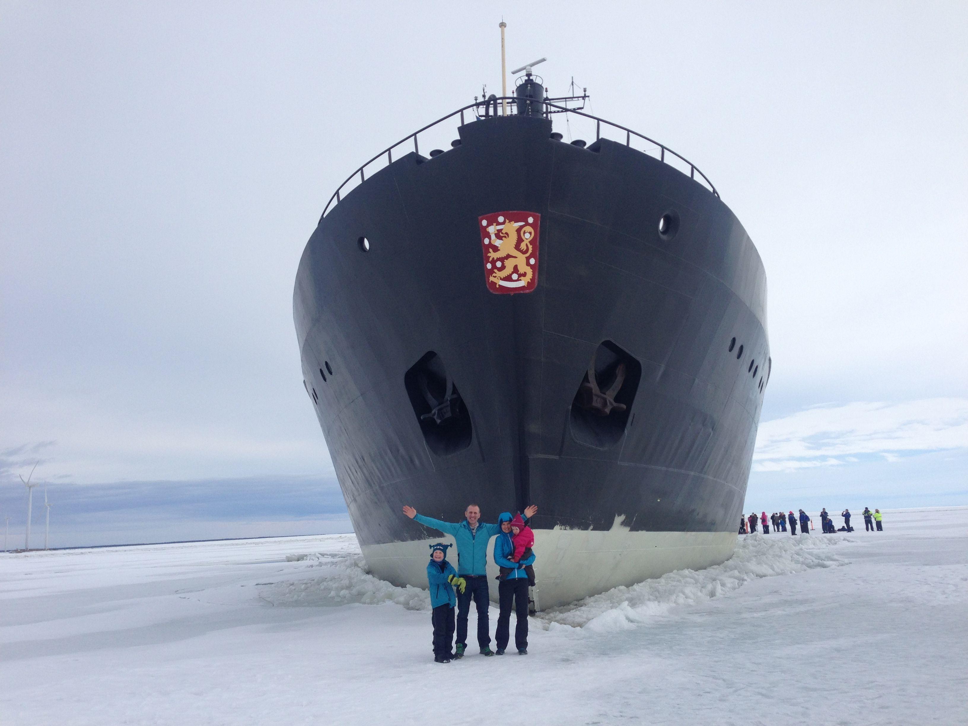 Rompehielos Sampo en el Báltico congelado, Finlandia