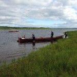 Descansando en una isla en mitad del río Kemijoki