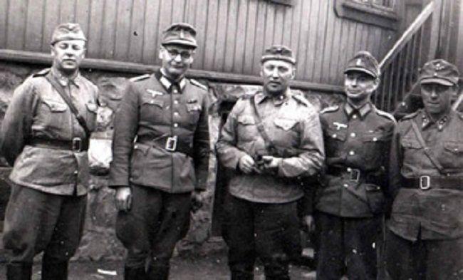 Oficiales finlandeses y alemanes antes de la guerra de Laponia
