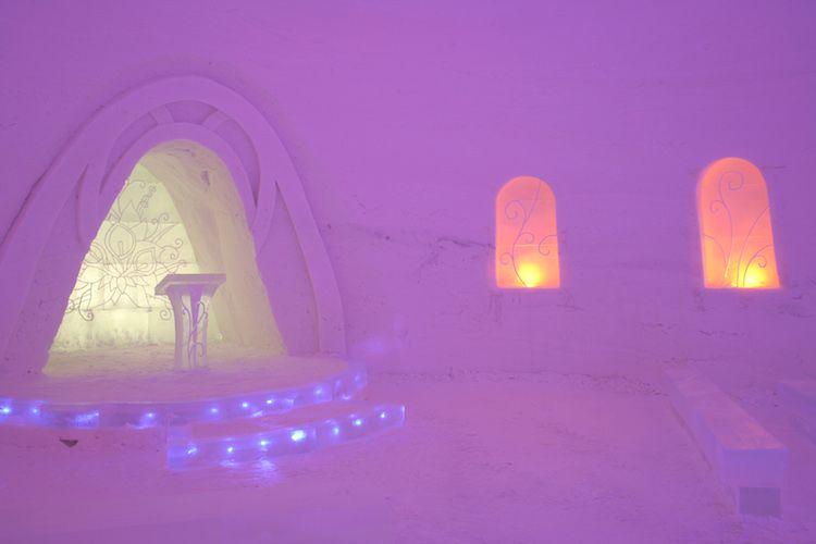 Capilla de hielo del SnowVillage de Lainio (Laponia, Finlandia). Año 2010