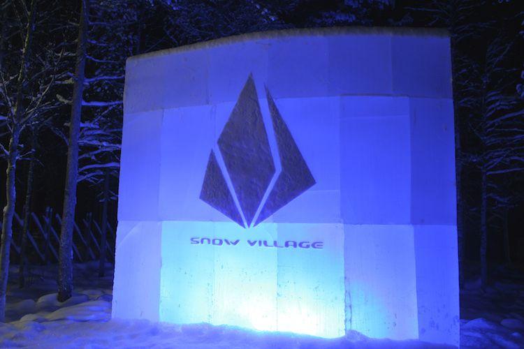 Logo de SnowVillage en Laino (Laponia, Finlandia). Año 2010