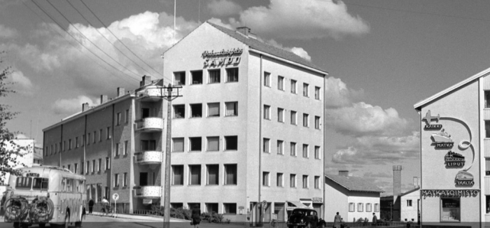 Antiguo Ayuntamiento de Rovaniemi, y edificio que aloja el Arctic Light Hotel