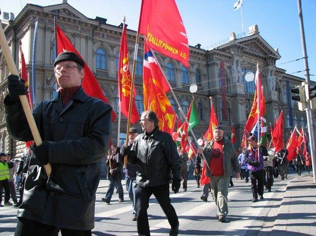Manifestación en Helsinki durante el Vappu