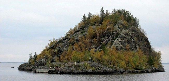Isla Ukko en el lago Inari