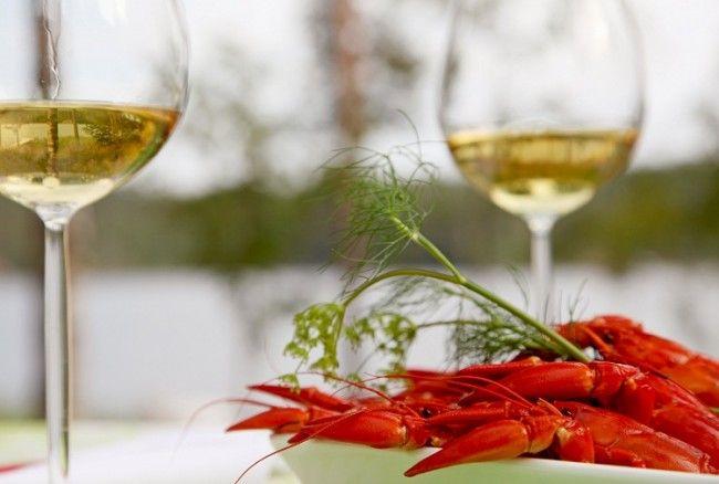 Cangrejos de río y un buen vino blanco