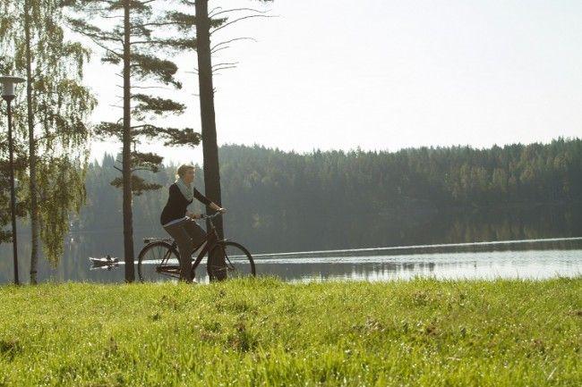 Paseo en bicicleta a orillas del lago Saima
