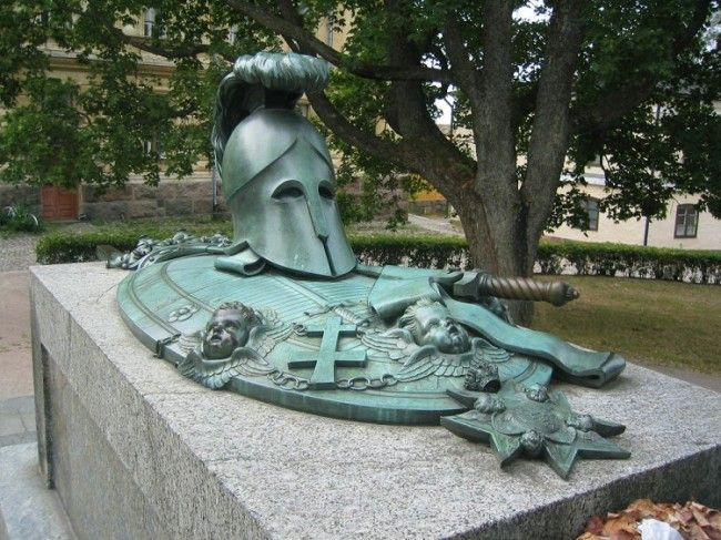 Tumba de Augustin Ehrensvärd en Suomenlinna