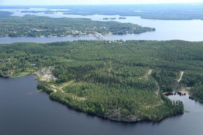 Vista de Puumala su puente y un poco del lago Saimaa