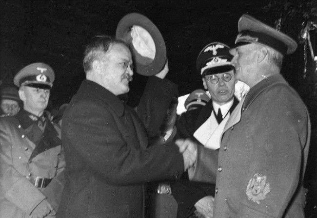 Joachim von Ribbentrop y Vyacheslav Molotov