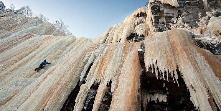Escalada en hielo en Korouoma