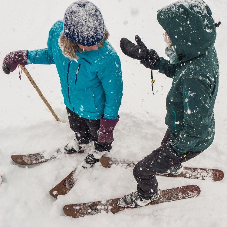 Los esquís Altai son perfectos para moverse en nieve profunda