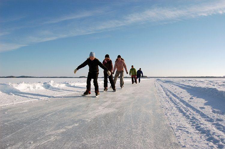 Patinaje en un lago helado