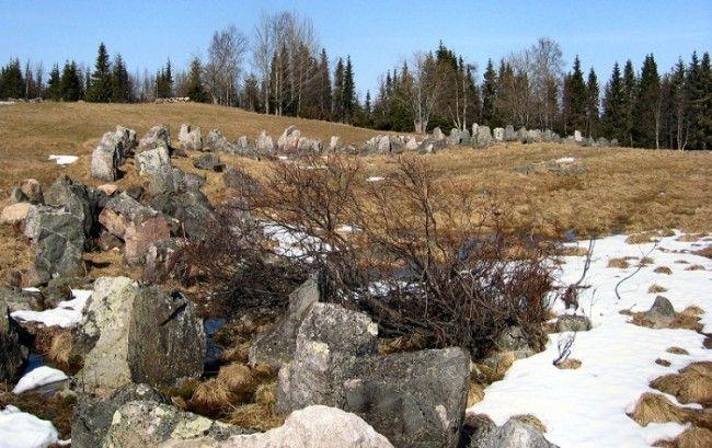 Línea de obstáculos anti-tanque en Aholanvaara-emplazados durante la 2ª Guerra Mundial