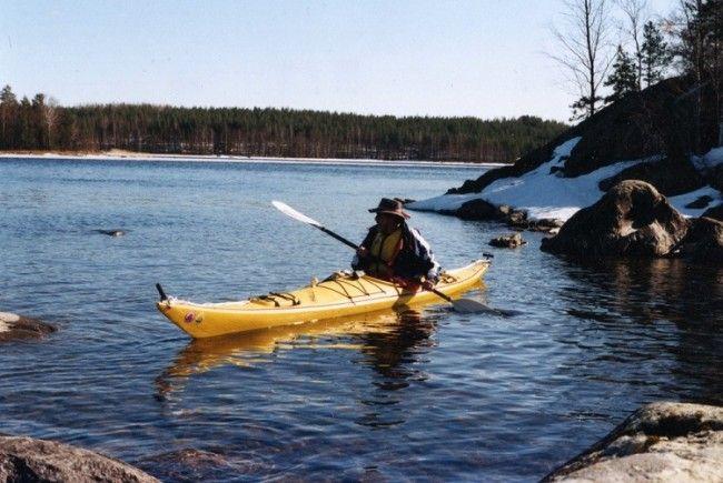 El kayak de mar es fácil de llevar