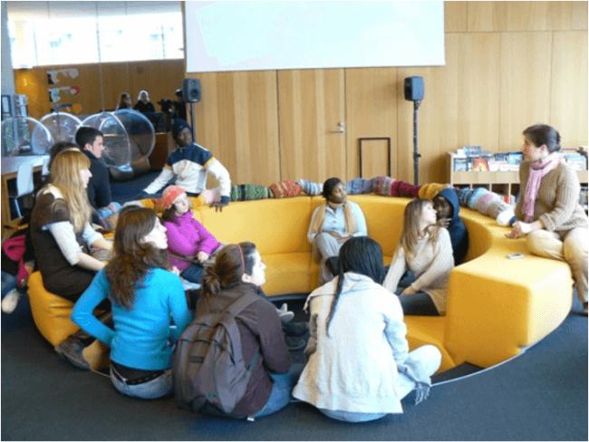 Clase en la biblioteca principal de Turku