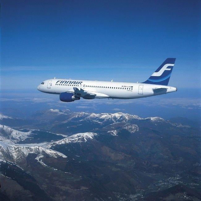Avión de Finnair en pleno vuelo