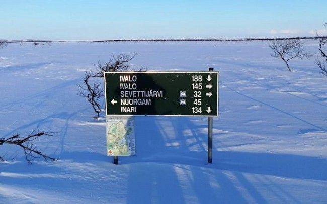 Cartel indicador para motos de nieve