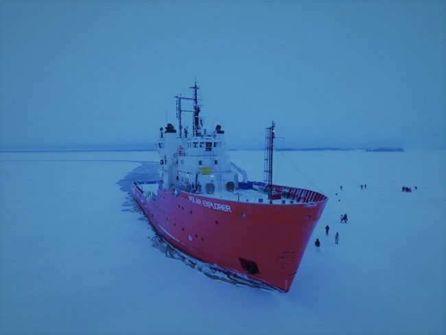 El rompehielos Polar Explorer desde el aire