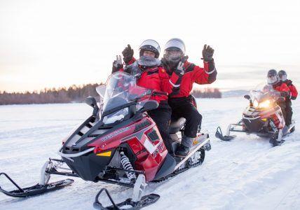 Motos de nieve en Ivalo