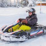 Conducción de karts sobre hielo en Ivalo