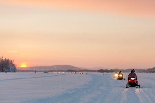 Excursiones con moto de nieve en Ivalo