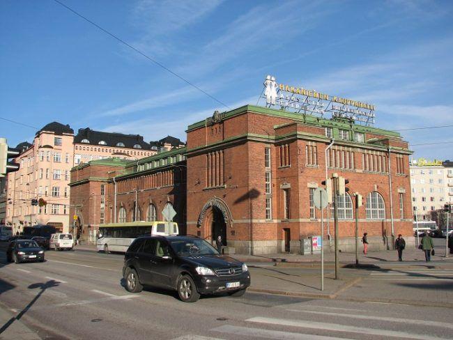 El mercado de Hakaniemi construido en el año 1914