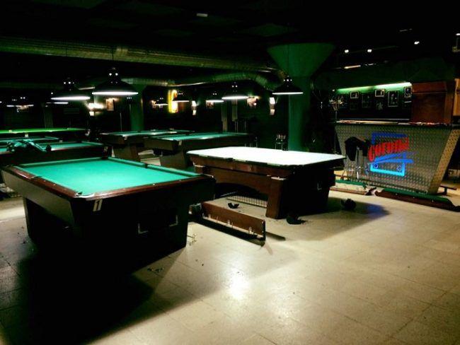 Sala de billar del bar Corona