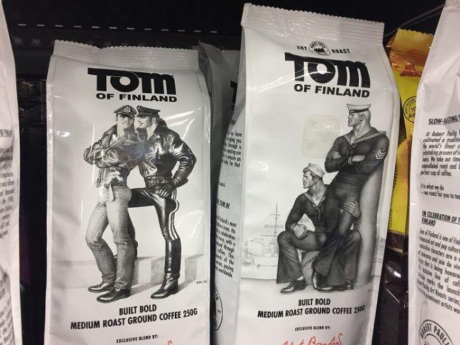 Detalle paquetes de café Tom de Finlandia