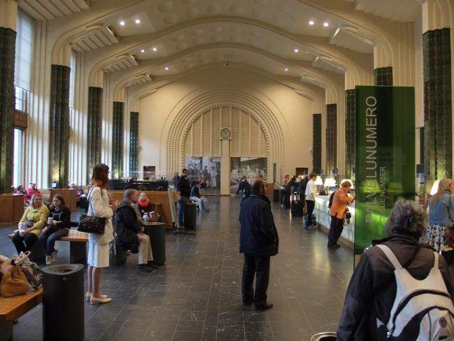 Estación central de tren de Helsinki. Sala de venta de billetes