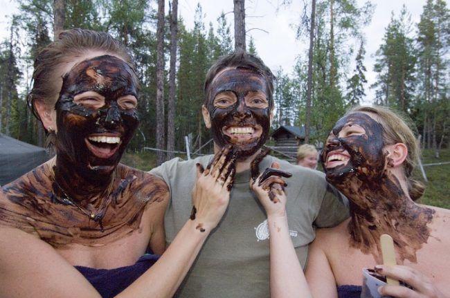 Jóvenes finlandeses de fiesta en Ruka
