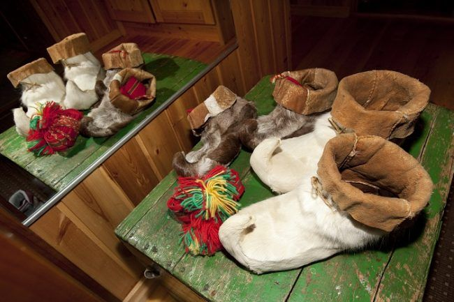 Calzado de invierno Sami hecho con piel de reno