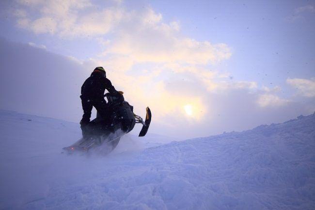 Jugando en nieve profunda