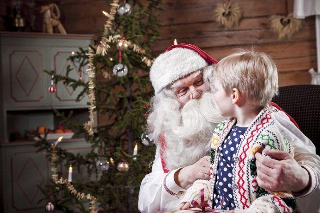 Papá Noel recibe visitas en su oficina