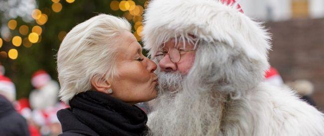 También Papá Noel visita el mercado de Navidad de Helskinki