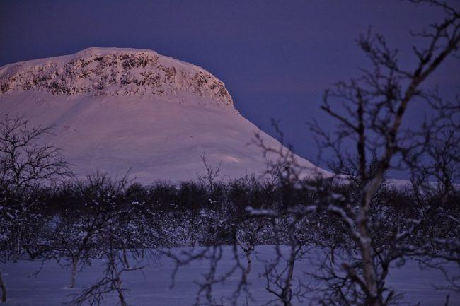 Detalle de la colina Saana en Kilpisjärvi