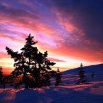 Amanecer en la estación de esquí de Levi en Laponia