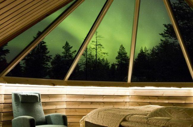 El techo de cristal nos asegura una magnifica visión siempre que sea- posible ver la Aurora Boreal
