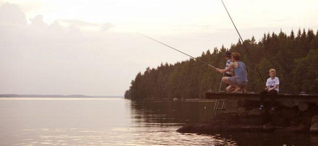 La pesca es una actividad que atrae a los niños