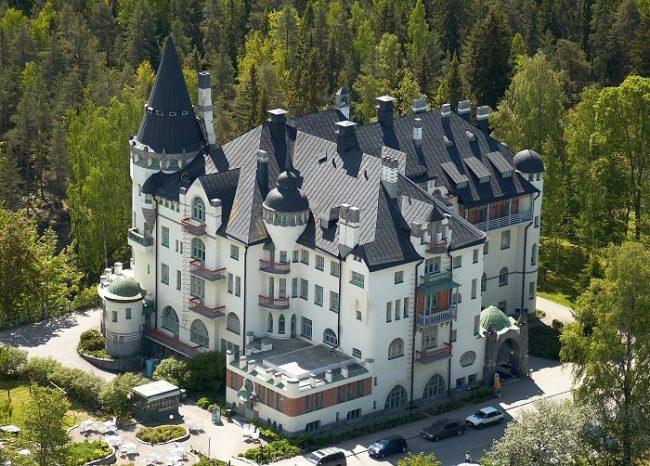 El castillo-hotel Valtionhotelli en Imatra
