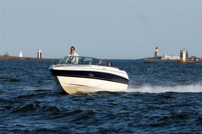 Alquilar una embarcación es una buena manera para visitar el archipiélago de Sipoo