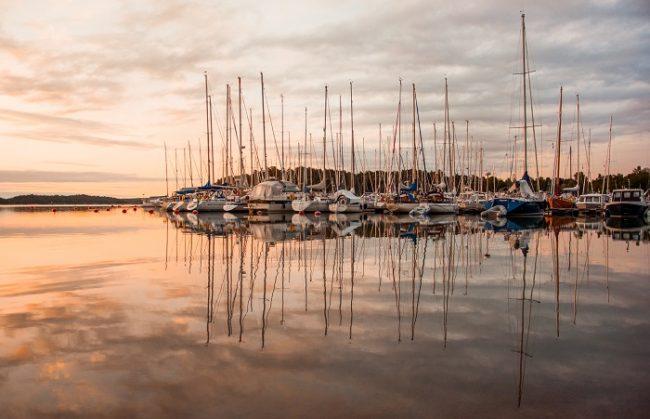La ciudad de Turku esta llena de todo tipo de embarcaciones