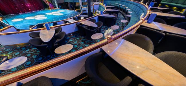 Detalle de la discoteca escenario casino en el crucero Silja Symphony