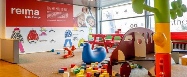 Detalle de la zona de juego para los niños en el aeropuerto de Helsinki