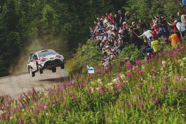 Los saltos son una de las características del Rally de Finlandia