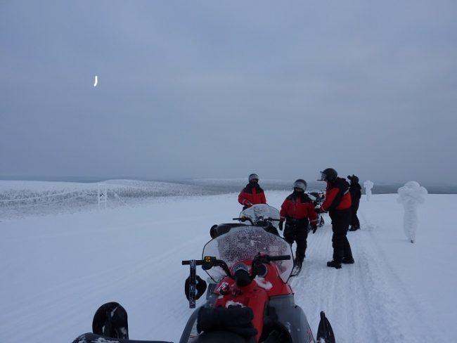 Safari con moto de nieve en Saariselkä